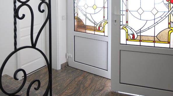 PVC, Алуминиеви и Стъклени врати