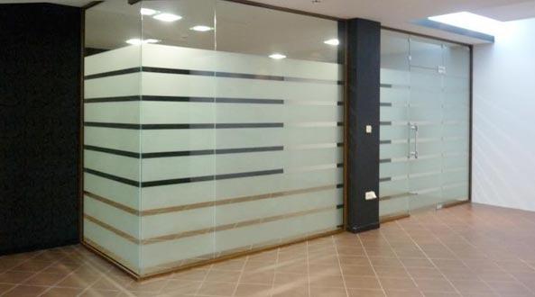 Стъклени врати и витрини