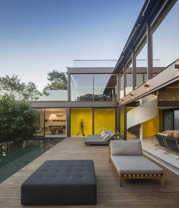 outdoors-modern-residence-51_1417724978