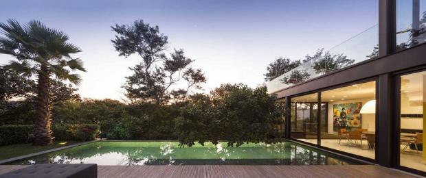 outdoors-modern-residence-71_1417724979