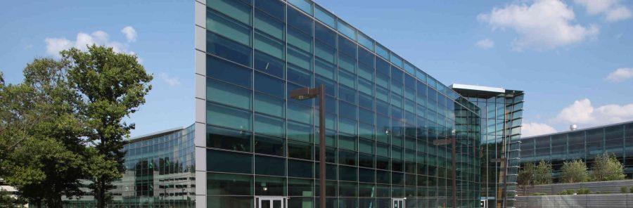 обект с Алуминиеви окачени фасади Schüco UCC 65 SG