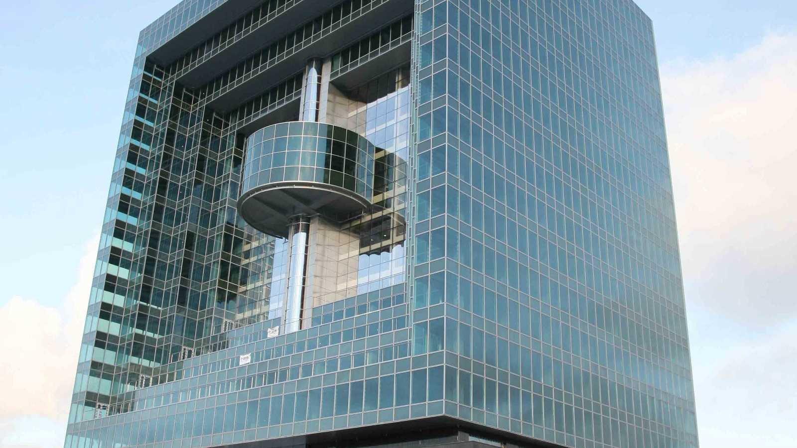 Системи за окачени фасади Reynaers
