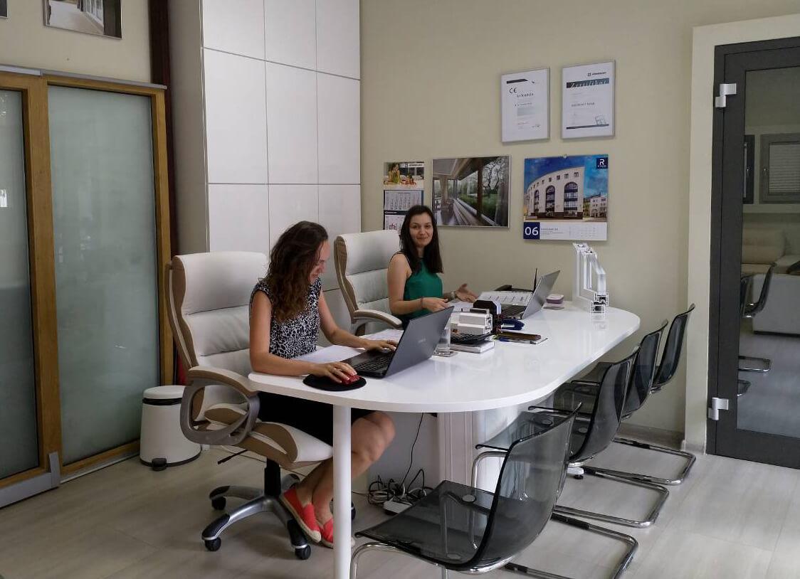 офис лукспласт, производство на прозорци в гр. София
